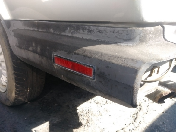 BMW E30 bumper side plastic extension